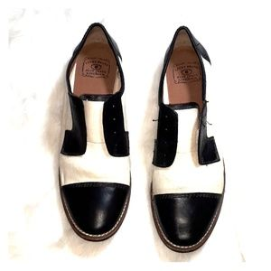 Lucky Brand  saddle Style loafers